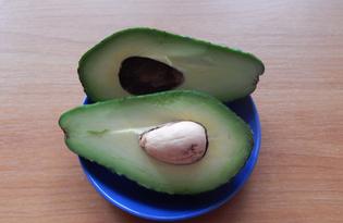 Авокадо. Калорийность, польза и вред