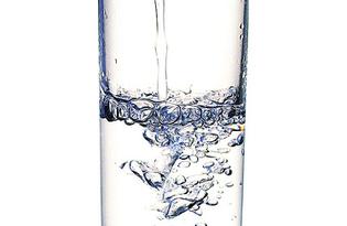 Вода (негазированная). Калорийность, польза и вред