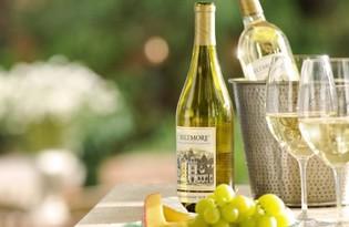 Вино белое полусладкое. Калорийность, польза и вред.