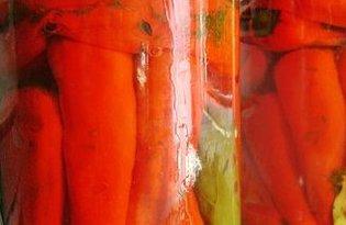 Перец красный острый соленый. Калорийность, польза и вред.