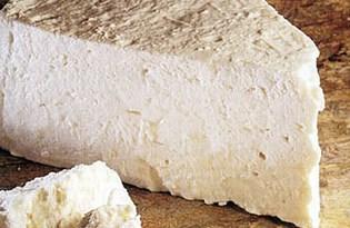 Сыр адыгейский. Калорийность, польза и вред.