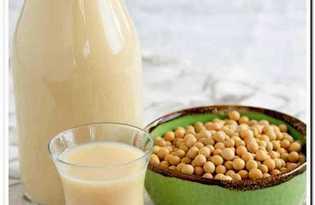 Молоко соевое. Калорийность, польза и вред.