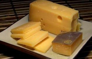 Сыр голландский. Калорийность, польза и вред.