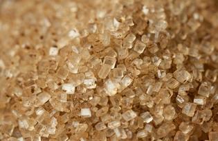 Сахар коричневый тростниковый. Калорийность, польза и вред.
