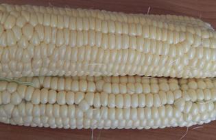 Кукуруза для попкорна. Калорийность, польза и вред.
