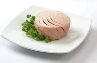 Рыба тунец. Калорийность, польза и вред.
