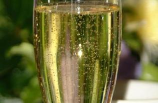 Шампанское. Калорийность, польза и вред.