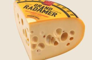 """Сыр """"Радомер"""". Калорийность, польза и вред."""