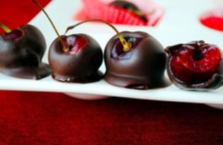 Фрукты в шоколадной оболочке