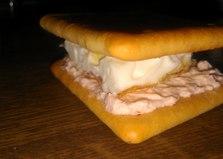 Оригинальный бутерброд с маслом лосося (пошаговый фото рецепт)