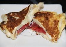 Горячие бутерброды в тортилье (пошаговый фото рецепт)