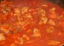 Мясо в томатном соусе (пошаговый фото рецепт)