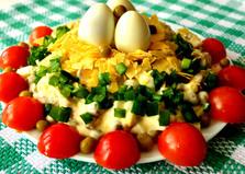 Салат «Гнездо перепелки» (пошаговый фото рецепт)