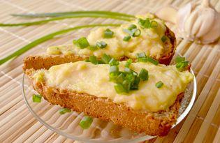 Горячие чесночные бутерброды «Креатив» (рецепт с пошаговыми фото)