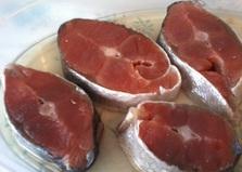 Засолка кеты (пошаговый фото рецепт)