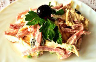 Салат с копченой курицей и маслинами (пошаговый фото рецепт)