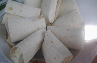 Острая закуска из лаваша с творогом (пошаговый фото рецепт)