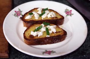 Гренки в гусином яйце с козьим сыром (пошаговый фото рецепт)