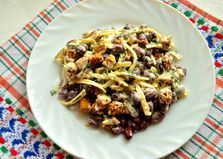Салат с фасолью, сыром и сухариками (пошаговый фото рецепт)