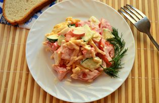 Овощной салат с сыром и крабовыми палочками (пошаговый фото рецепт)