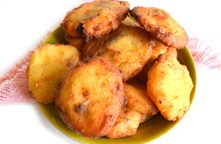 Сырники во фритюре (пошаговый фото рецепт)
