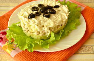 Салат с курицей и маслинами «Белоснежка» (пошаговый фото рецепт)