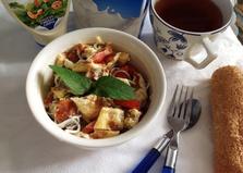 Салат из омлета и угря (ангулы) (пошаговый фото рецепт)