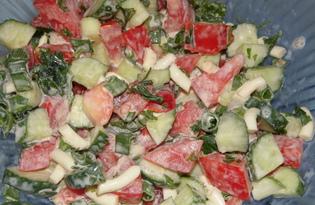 Салат из помидоров, огурцов и сулугуни (пошаговый фото рецепт)