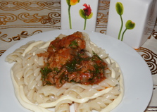 Гнезда из макарон и сулугуни с мясными тефтельками (пошаговый фото рецепт)