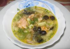 Суп из лососевой консервы с маслинами (пошаговый фото рецепт)