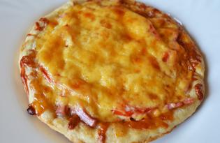 Мини - пицца из слоеного дрожжевого теста с колбасой (пошаговый фото рецепт)