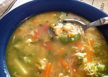 Суп на бульоне из удильщика (морского черта) с креветками (пошаговый фото рецепт)