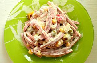 Салат с оливками и крабовыми палочками (пошаговый фото рецепт)