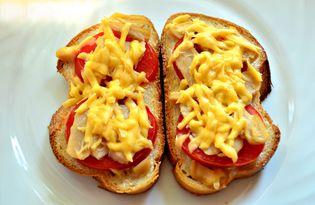 Горячие бутерброды с консервированным кальмаром (пошаговый фото рецепт)