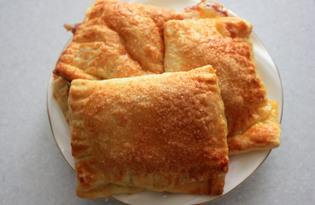 Пирожки из слоеного теста с яблочным вареньем (рецепт с пошаговыми фото)