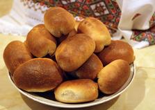 Дрожжевые пирожки с картофелем и грибами (пошаговый фото рецепт)