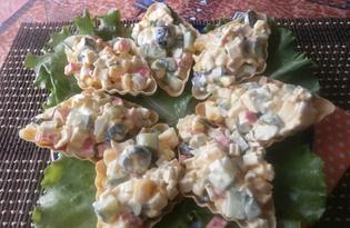 Салат с крабовыми палочками в тарталетках (пошаговый фото рецепт)