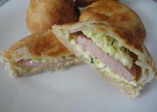 Бездрожжевые пончики с творогом и сарделькой (пошаговый фото рецепт)