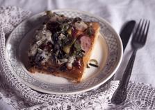 Пицца с колбасой, чесноком и шпинатом (пошаговый фото рецепт)