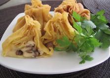 """""""Мешочки"""" с курицей и грибами под сыром (пошаговый фото рецепт)"""