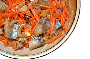 Маринованная сельдь с морковью (пошаговый фото рецепт)