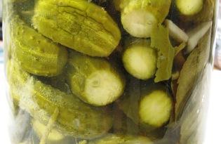 Хрустящие маринованные огурцы с уксусом (пошаговый фото рецепт)