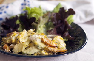 Жареные яйца с салом и овощами (пошаговый фото рецепт)