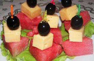 Закуска с арбузом и сыром (пошаговый фото рецепт)