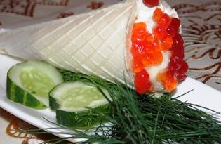 Вафельные трубочки с красной икрой и творогом (пошаговый фото рецепт)