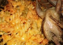 Макароны с сыром с перепелами (пошаговый фото рецепт)