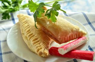 Слойки с сыром и крабовыми палочками (пошаговый фото рецепт)
