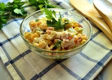 Салат с копченой курицей и яйцами (пошаговый фото рецепт)