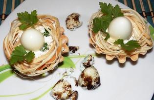 Гнезда с перепелиными яйцами (пошаговый фото рецепт)