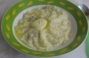 Рисовая каша на молоке с яблоком и изюмом (пошаговый фото рецепт)
